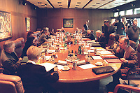 19 MAY 1999 - BONN, GERMANY:<br /> Übersicht Kabinettsitzung, Bundeskanzleramt<br /> IMAGE: 19990519-01/01-21<br /> KEYWORDS: Kabinett