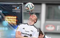 Fotball Menn Tippeligaen Rosenborg - Viking<br /> Lerkendal Stadion, Trondheim<br /> 24 april 2016<br /> <br /> Brynjar Fagerli med balltriksing før kampstart<br /> <br /> Foto : Arve Johnsen, Digitalsport