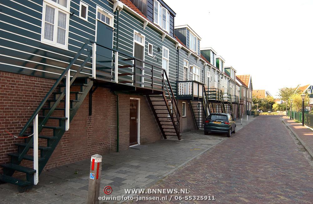 Woningen met trap als opgang in Marken