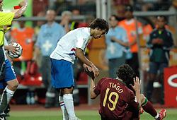 25-06-2006 VOETBAL: FIFA WORLD CUP: NEDERLAND - PORTUGAL: NURNBERG<br /> Oranje verliest in een beladen duel met 1-0 van Portugal en is uitgeschakeld / VAN BRONCKHORST Giovanni<br /> ©2006-WWW.FOTOHOOGENDOORN.NL