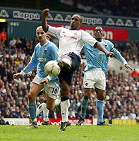 Photo: Scott Heavey.<br /> Tottenham Hotspur v Manchester City. FA Barclaycard Premiership. 12/04/2004.<br /> Jermain Defoe toes a chance just wide