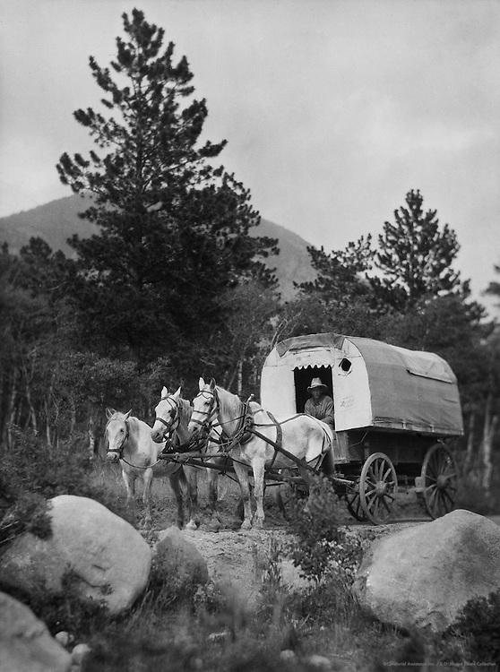 Covered wagon, Rocky Mountains, Colorado, USA, 1926