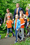 """Koning Willem Alexander opent Koningsspelen in Ens van de drie basisscholen Het Lichtschip, De Horizon en De Regenboog in Ens. Het gaat om een dag vol bewegen voor kinderen, die wordt voorafgegaan door een feestelijk Koningsontbijt.<br /> <br /> King Willem Alexander opens the """" King Games"""" in the town Ens. It is a day of exercise for children, which is preceded by a festive King Breakfast.<br /> <br /> Op de foto / On the photo:  Koning Willem-Alexander geeft met een fluitje het startsein voor de Koningsspelen // King Willem-Alexander gives a whistle the start of the King Games"""