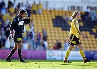 Fotball, 1. juni 2003, Tippeligaen 2003, Lillestrøm-Aalesund 1-1.  Emille Baron, depper etter kampslutt. Her med Torgeir Bjarmann, Lillestrøm<br /> Foto: Anders Hoven, Digitalsport