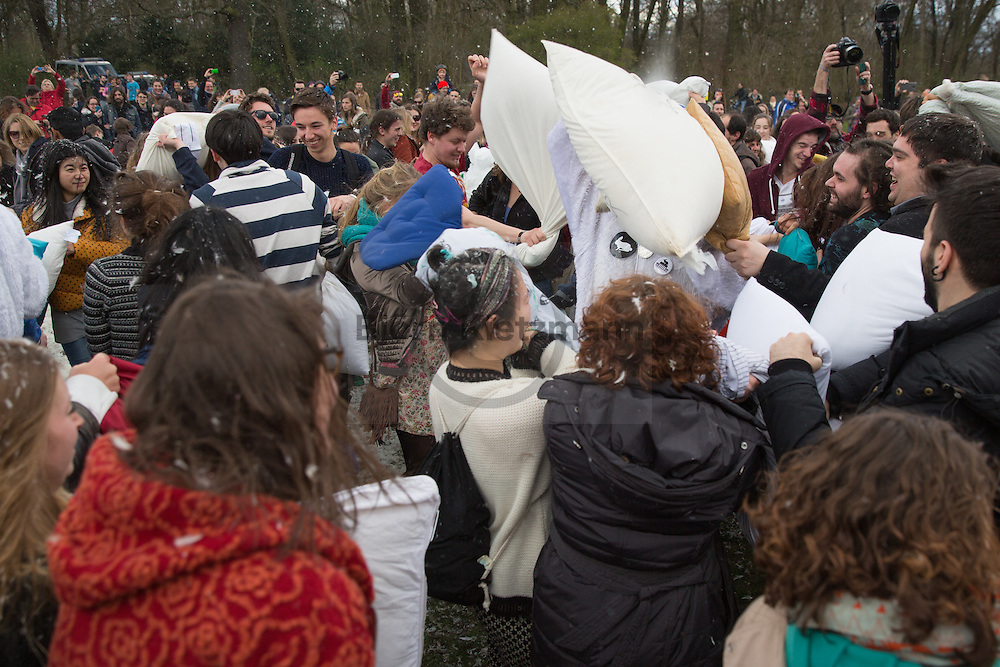 """Berlin, Germany -  04.04.2015 <br /> <br /> Hundreds of people gathered inside the Treptower Park in Berlin to celebrate the 7th annual World Pillow Fight Day<br /> <br /> Anlaesslich des """"World Pillow Fight Day"""" trafen sich hunderte Menschen zur Kissenschlacht im Treptower Park in Berlin.<br /> <br /> Photo: Bjoern Kietzmann"""