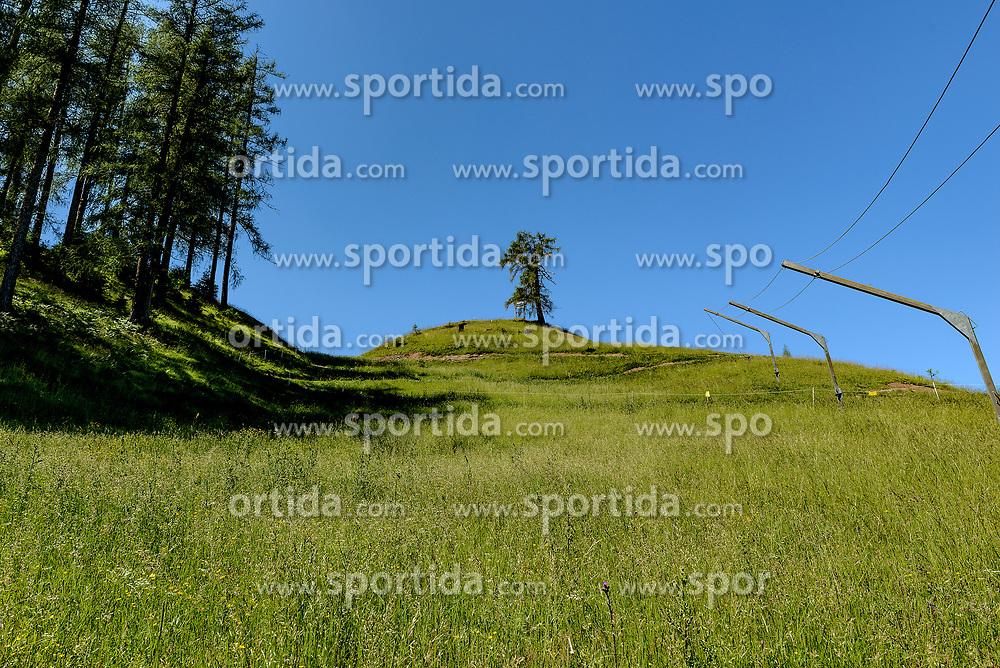 THEMENBILD - Der Blick hinauf auf den Seidlalmsprung, aufgenommen am 26. Juni 2017, Kitzbühel, Österreich // The view up to the Seidlalm jump at the Streif, Kitzbühel, Austria on 2017/06/26. EXPA Pictures © 2017, PhotoCredit: EXPA/ Stefan Adelsberger