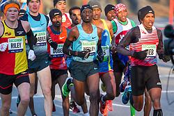 lead pack of elite men, Wesley Korir