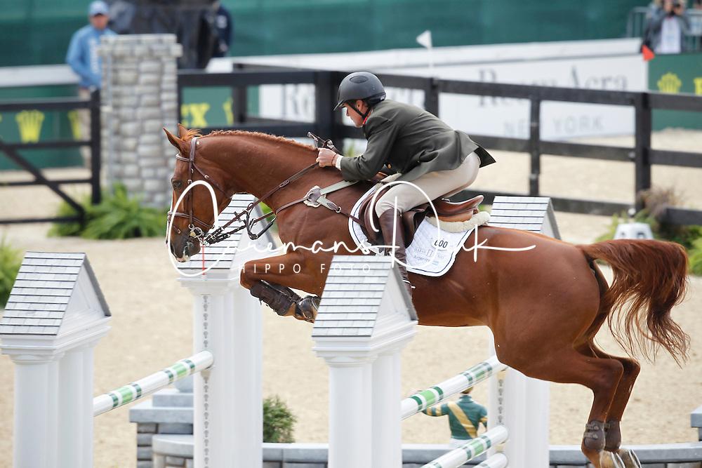 Martinez Zuviria Fernando (ARG) - V de Pomme<br /> Alltech FEI World Equestrian Games <br /> Lexington - Kentucky 2010<br /> © Dirk Caremans