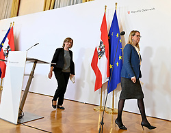 21.03.2020, Wien, AUT, Coronaviruskrise, Österreich, Pressekonferenz, Aktuelles zur Coronavirus Forschung, im Bild (L-R): Klimaschutz- und Innovationsministerin Leonore Gewessler (Grüne) und Wirtschaftsministerin Margarete Schramböck (ÖVP) // during a press conference of Austrian Goverment about the Coronavirus Pandemie at the Wien, Austria on 2020/03/21. EXPA Pictures © 2020, PhotoCredit: EXPA/ Herbert Neubauer/APA-POOL