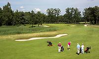 HENGELO (GLD) -  op weg naar hole 10. golfbaan 't Zelle . COPYRIGHT KOEN SUYK