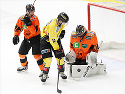 17.01.2020, Merkur Eisstadion, Graz, AUT, EBEL, Moser Medical Graz 99ers vs Vienna Capitals, 41. Runde, im Bild von links Kalle Johansson (Moser Medical Graz 99ers), Kyle Baun (Vienna Capitals) und Cristopher Nihlstorp (Moser Medical Graz 99ers) // from l to r Kalle Johansson (Moser Medical Graz 99ers) Kyle Baun (Vienna Capitals) and Cristopher Nihlstorp (Moser Medical Graz 99ers) during the Erste Bank Eishockey League 41th round match between Moser Medical Graz 99ers and Vienna Capitals at the Merkur Eisstadion in Graz, Austria on 2020/01/17. EXPA Pictures © 2020, PhotoCredit: EXPA/ Erwin Scheriau