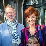 NLD/Amsterdam/20160818 - Premiere Hans Klok's House of Horror, Chazia Mourali, partner Marc Schröder en dochter Jasmijn