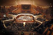Nederland, Eindhoven, 24-3-2005..De Frits Philipszaal in de stad Eindhoven. Het maakt onderdeel uit van de stadswandeling die langs vele historische philips lokaties voert. Concertzaal, lunchconcert, orkest, muziekzaal..Foto: Flip Franssen/Hollandse Hoogte