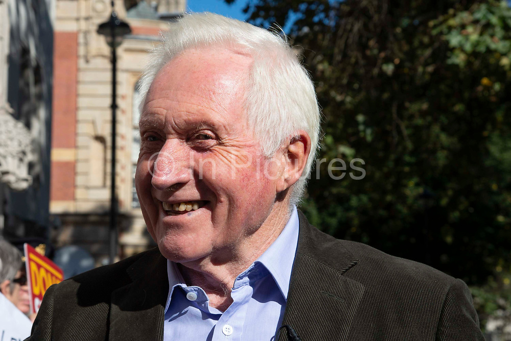 Broadcaster David Dimbleby interviews protesters outside the Supreme Court on day one of the hearing to rule on the suspension of parliament, on September 17th 2019 in London, United Kingdom. Supreme Court judges will decide if Prime Minister Boris Johnson acted unlawfully in advising the Queen to prorogue parliament.