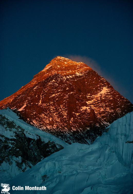 Chomolungma, Mt Everest, sunset, SW face, Khumbu Himal, Nepal Himalaya.