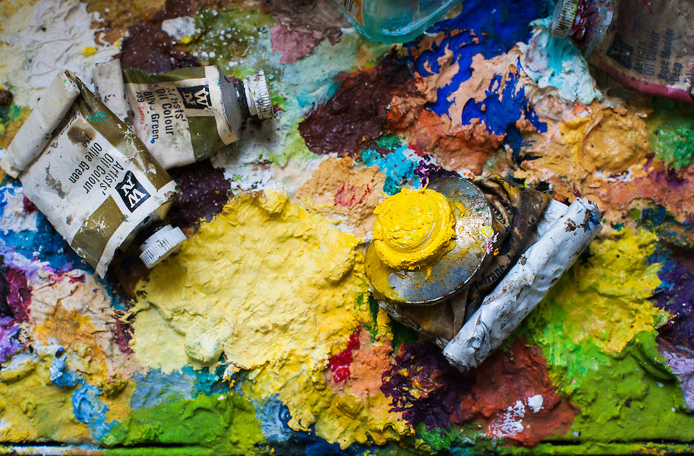 Nederland, Amsterdam, 19 dec 2012.Schilderspalet met lekker veel verf in mooie kleuren.Foto(c): Michiel Wijnbergh