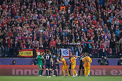 13.04.2016, Estadio Vicente Calderon, Madrid, ESP, UEFA CL, Atletico Madrid vs FC Barcelona, Viertelfinale, Rueckspiel, im Bild Atletico de Madrid's players and FC Barcelona players // during the UEFA Champions League Quaterfinal, 2nd Leg match between Atletico Madrid and FC Barcelona at the Estadio Vicente Calderon in Madrid, Spain on 2016/04/13. EXPA Pictures © 2016, PhotoCredit: EXPA/ Alterphotos/ BorjaB.Hojas<br /> <br /> *****ATTENTION - OUT of ESP, SUI*****