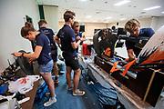 Technici werken aan de Velox tijdens de eerste racedag in Battle Mountain. Het Human Power Team Delft en Amsterdam, dat bestaat uit studenten van de TU Delft en de VU Amsterdam, is in Amerika om tijdens de World Human Powered Speed Challenge in Nevada een poging te doen het wereldrecord snelfietsen voor vrouwen te verbreken met de VeloX 8, een gestroomlijnde ligfiets. Het record is met 121,81 km/h sinds 2010 in handen van de Francaise Barbara Buatois. De Canadees Todd Reichert is de snelste man met 144,17 km/h sinds 2016.<br /> <br /> With the VeloX 8, a special recumbent bike, the Human Power Team Delft and Amsterdam, consisting of students of the TU Delft and the VU Amsterdam, wants to set a new woman's world record cycling in September at the World Human Powered Speed Challenge in Nevada. The current speed record is 121,81 km/h, set in 2010 by Barbara Buatois. The fastest man is Todd Reichert with 144,17 km/h.