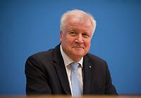 DEU, Deutschland, Germany, Berlin, 12.03.2018: CSU-Parteichef Horst Seehofer in der Bundespressekonferenz zum Koalitionsvertrag von CDU, CSU und SPD.