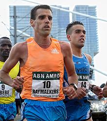 13-04-2014 NED: Marathon van Rotterdam<br /> Khalid Choukoud (r) finished als beste Nederlander tijdens de marathon Rotterdam. De Haagse atleet eindigde in zijn debuut op de 42,195 kilometer als zevende in 2.10.51<br /> Voor Choukoud Koen Raymaekers