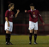 Photo: Jed Wee.<br /> Manchester United Reserves v Bolton Wanderers Reserves.<br /> 15/12/2005.<br /> <br /> Manchester United's Ole Gunnar Solskjaer (R) with David Fox.