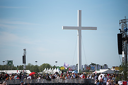 """28 May 2017, Wittenberg, Germany: On 28 May, students of the Global Ecumenical Theological Institute 2017 (GETI'17) joined tens of thousands of Christians in attending the closing service of Kirchentag (""""Church Festival"""") in Wittenberg, the place where the Reformation began 500 years ago. With a peak temperature of 33 degrees Celsius, it was a demanding but joyful experience. Meeting in Berlin on 19 May - 1 June 2017, the Global Ecumenical Theological Institute 2017 (GETI'17) gathers young Christian theologians from Europe and around the world to study and experience horizons of an ecumenical theology and ecclesiology. GETI'17 is organized under the patronage of the Conference of European Churches, and works under three key themes: Reforming Theology, Migrating Church, and Transforming Society."""