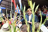 Koning Willem-Alexander bij slotdag van de Nijmeegse Vierdaagse