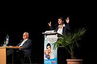 DEU, Deutschland, Germany, Plauen, 22.08.2017: Die AfD-Vorsitzende Dr. Frauke Petry und Ulrich Lupart, erster AfD-Bürgermeister, bei einem Bürgerforum der Partei Alternative für Deutschland (AfD) in der Festhalle Plauen.