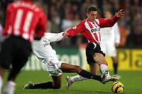 Fotball , 1 november 2005 , Champions League , PSV Eidhoven - Milan <br /> aktie van ismail aissati voor psv<br /> Norway only