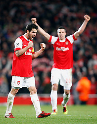 16.02.2011, Emirates Stadium, London, ENG, UEFA CL, FC Arsenal vs FC Barcelona, im Bild Arsenal's Robin van Persie and Arsenal's Cesc Fabregas (captain) Scenes of Celebration after final whistle  after Arsenal vs Barcelona for the UCL  ,Round of last 16, at the Emirates Stadium in London on 16/02/2011, EXPA Pictures © 2011, PhotoCredit: EXPA/ IPS/ Kieran Galvin +++++ ATTENTION - OUT OF ENGLAND/GBR and France/ FRA +++++