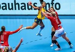 Jamina Roberts of Sweden , Kathrine Heindahl of Denmark in action during the Women's EHF Euro 2020 match between Denmark and Sweden at Jyske Bank BOXEN on december 11, 2020 in Kolding, Denmark (Photo by RHF Agency/Ronald Hoogendoorn)