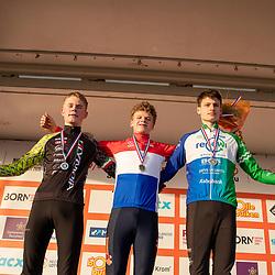 11-01-2020: Wielrennen: NK Veldrijden: Rucphen<br />Podiuum nieuwelingen kampioen David Haverdings, voor Jelte Jochems (Putten) en Menno Huizing