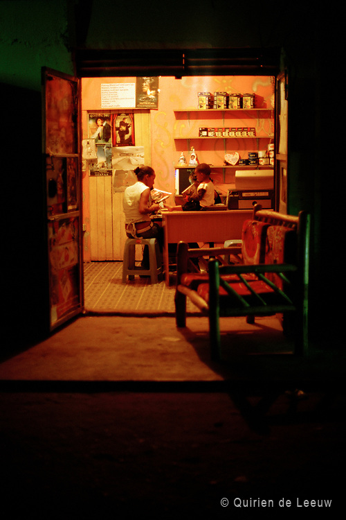 Night shop in Nairobi, Kenia