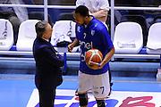DESCRIZIONE : Brindisi  Lega A 2015-16<br /> Enel Brindisi - Betaland Capo d'Orlando<br /> GIOCATORE : Alexander Harris Piero Bucchi<br /> CATEGORIA : Before Pregame Fair Play<br /> SQUADRA : Enel Brindisi<br /> EVENTO : Campionato Lega A 2015-2016<br /> GARA :Enel Brindisi - Betaland Capo d'Orlando<br /> DATA : 26/03/2016<br /> SPORT : Pallacanestro<br /> AUTORE : Agenzia Ciamillo-Castoria/D.Matera<br /> Galleria : Lega Basket A 2015-2016<br /> Fotonotizia : Brindisi  Lega A 2015-16 Enel Brindisi - Betaland Capo d'Orlando<br /> Predefinita :