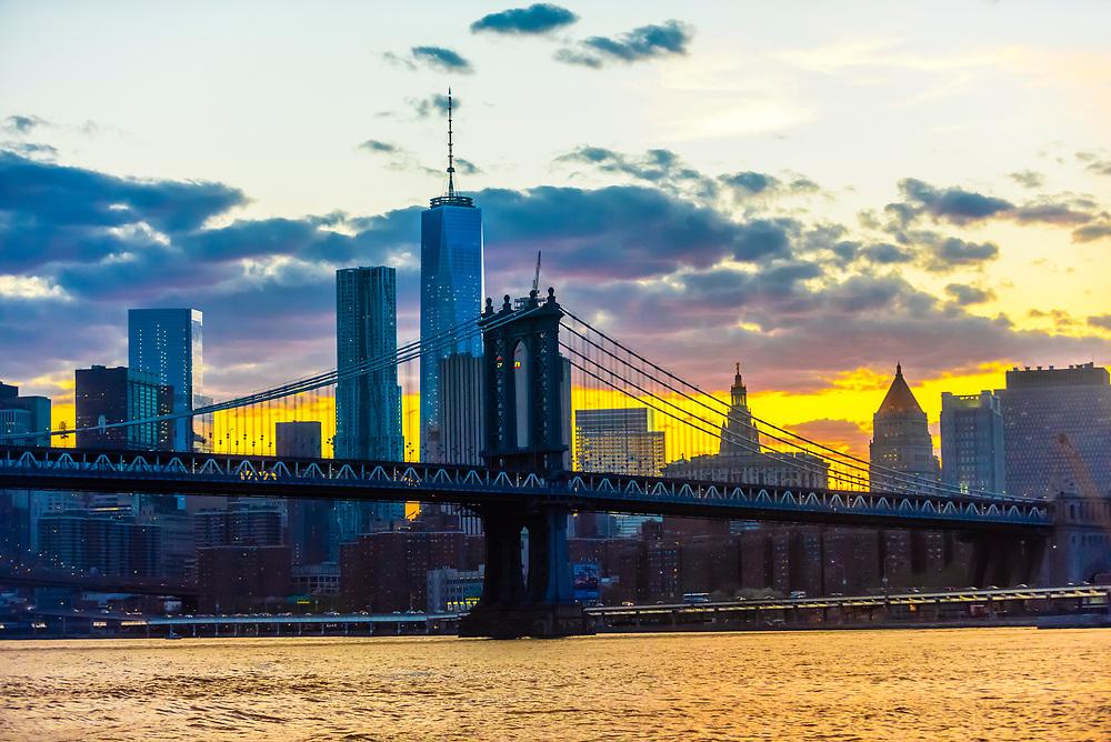 Manhattan Bridge (Lower Manhattan in background), New York, New York USA.