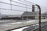Werkbezoek van Zijne Majesteit de Koning, vergezeld door Hare Majesteit Koningin Maxima aan de Duitse deelstaten Thüringen, Saksen en Saksen-Anhalt<br /> <br /> Working visit of His Majesty the King, accompanied by Her Majesty Queen Maxima in the German states of Thuringia, Saxony and Saxony-Anhalt<br /> <br /> op de foto / On the Photo:  Bezoek aan concentratiekamp Buchenwald / Visit to Buchenwald concentration camp