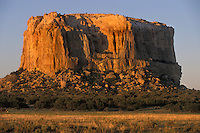 EEUU. Nuevo México. Grants<br /> Mesa Encantada, montaña sagrada de los indios Acoma<br /> <br /> USA. New Mexico. Grants<br /> Enchanted Mesa, sacred mountain for Acoma Indian<br /> <br /> © JOAN COSTA