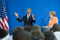 19 JUN 2013, BERLIN/GERMANY:<br /> Barack Obama (L), Praesident USA, und Angela Merkel (R), CDU, Bundeskanzlerin, waehrend einer Pressekonferenz, Besuch des Praesidenten der Vereinigten Staaten von Amerika, in Deutschland, Bundeskanzleramt<br /> IMAGE: 20130619-01-077<br /> KEYWORDS: Präsident U.S.A.