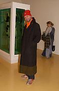 Gavin Turk, In-A Gadda-Da-Vidda, Tate Gallery. 2 March 2004. ONE TIME USE ONLY - DO NOT ARCHIVE  © Copyright Photograph by Dafydd Jones 66 Stockwell Park Rd. London SW9 0DA Tel 020 7733 0108 www.dafjones.com