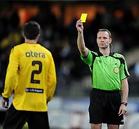 Fotball , 22. mars 2009 , Tippeligaen , Start - Lyn<br /> <br /> Dommer Ken Henry Johnsen gir Hunter Freeman Start gult kort