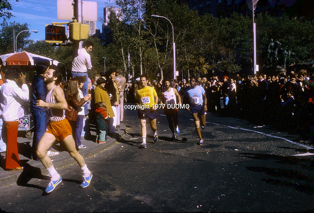 Dick Traum (USA) competing in the 1977 NYC Marathon