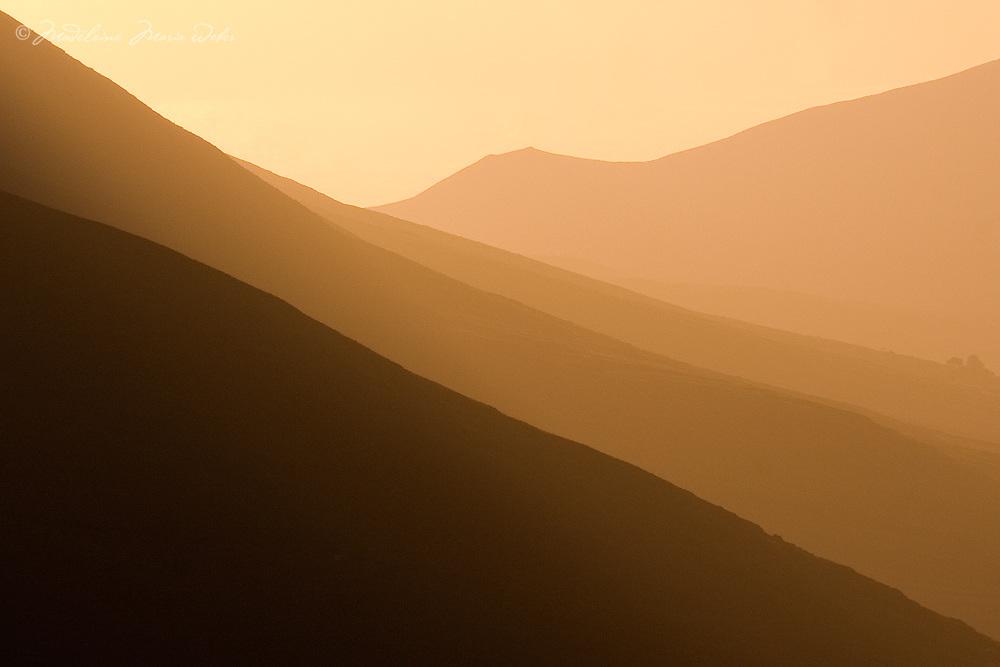 Golden Misty Sunrise Mountain View, Ring of Kerry, Ireland / kr033