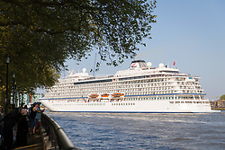 May 6, 2018 - London, London, UK - London, UK. People watch as 228-metre-long cruise ship Viking Sun is seen making her way down the River Thames at the end of a 3 day visit to Greenwich in south east London. The visit by Viking Sun, which has a capacity of 930 passengers, marks the beginning of London's cruise ship season. For passengers on board, London was the end of a 141 night round the world cruise which started in Miami last December. (Credit Image: © Vickie Flores/London News Pictures via ZUMA Wire)