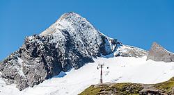 THEMENBILD - Blick auf den Gipfel. Das Kitzsteinhorn ist Teil der in den Hohen Tauern gelegenen Glocknergruppe und erreicht eine Höhe von 3203 m, aufgenommen am 08. August 2016, Kaprun, Österreich // View of the Summit. The Kitzsteinhorn is a mountain in the High Tauern range of the Alps. It is part of the Glockner Group and reaches a height of 3,203 m. The Kitzsteinhorn glaciers are a popular ski area, Kaprun, Austria on 2016/09/06. EXPA Pictures © 2016, PhotoCredit: EXPA/ JFK