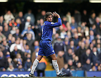 Photo: Lee Earle.<br /> Chelsea v Charlton Athletic. The Barclays Premiership. 22/01/2006. Chelsea's Hernan Crespo looks dejected as they could only manage a draw.