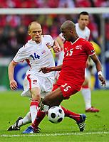 Fotball , 7. juni 2007 , EM Sveits - Tsjekkia<br /> v.l. David Jarolim Tschechien, Gelson Fernandes<br /> EURO 2008 Vorrunde Schweiz - Tschechien<br /> Norway only