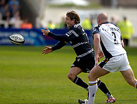 Photo: Jed Wee.<br />Newcastle Falcons v Leeds Tykes. Guinness Premiership. 06/05/2006.<br /><br />Newcastle's Jonny Wilkinson passes the ball.