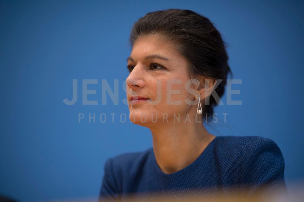 DEU, Deutschland, Germany, Berlin, 25.09.2017: Dr. Sahra Wagenknecht (DIE LINKE) in der Bundespressekonferenz zu den Ergebnissen der Bundestagswahlen.