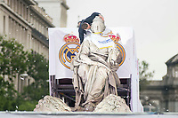 Sergio Ramos kissing Cibeles during the celebration of the victory of the Real Madrid Champions League at Plaza de Cibeles in Madrid. May 28. 2016. (ALTERPHOTOS/Borja B.Hojas)