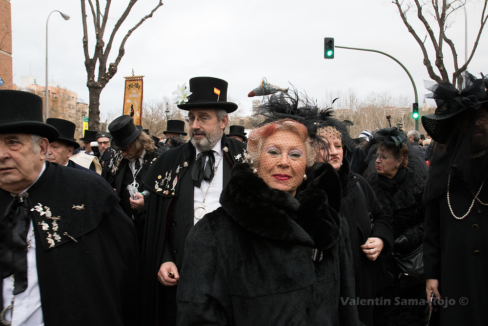 Madrid, Spain. 14th February, 2018. Members of the brotherhood 'Castizos de Madrid and 'La alegre cofradia del entierro de la sardina' during the parade of the Burial of the Sardine. © Valentin Sama-Rojo